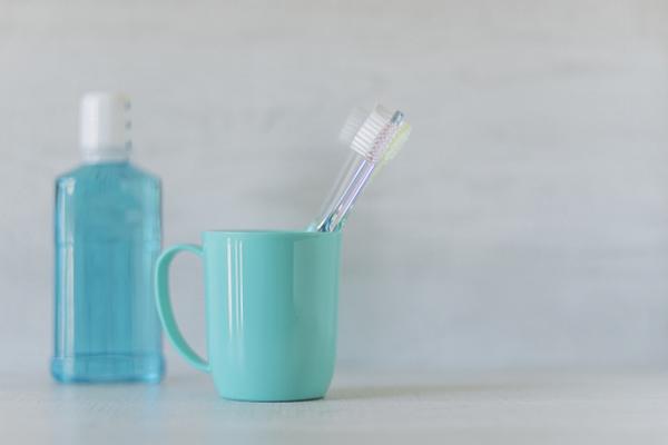 歯ブラシと洗口液
