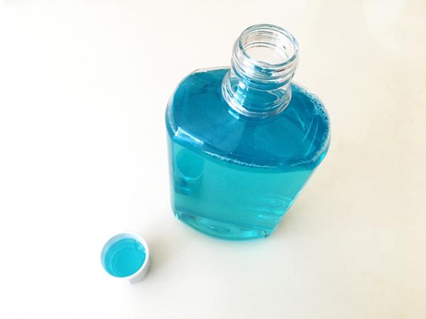 アルコールの臭いを洗口液で消す