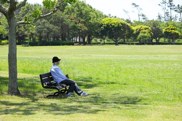 孤独な高齢者