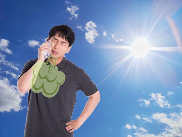 真夏の日差しに汗かきながらの口臭